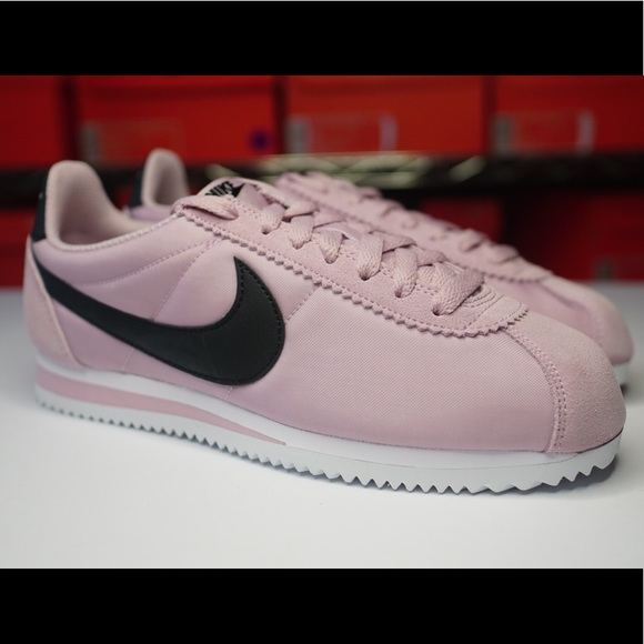 Nike Classic Cortez Nylon Women/'s New Plum Chalk Black Casual Shoes 749864-502